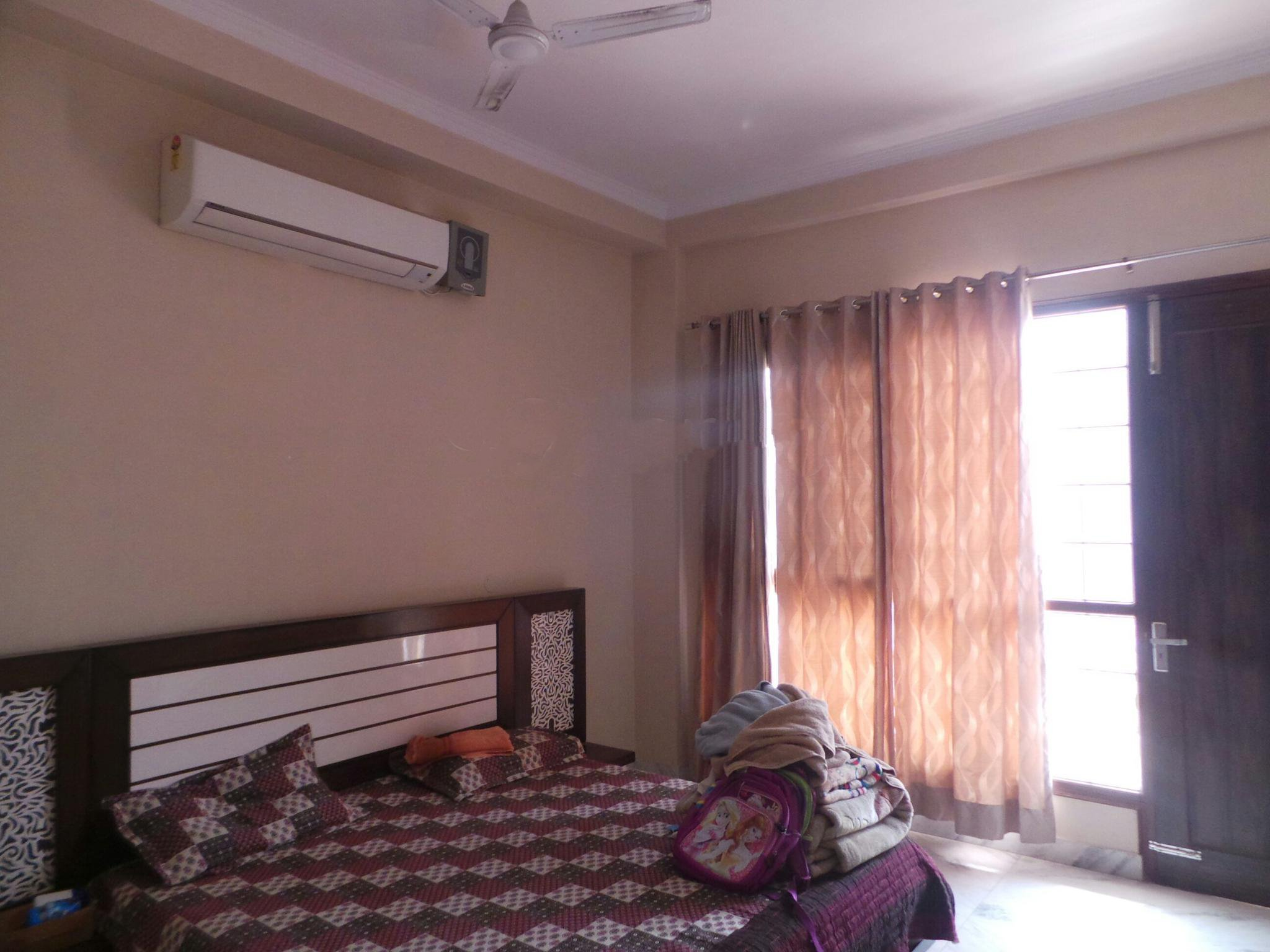 3 BHK  for rent in Huda Colony}