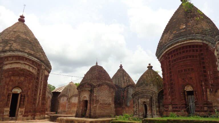 मालुति के अद्भुत मंदिर
