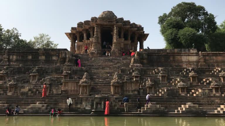 मोढेरा सूर्य मंदिर