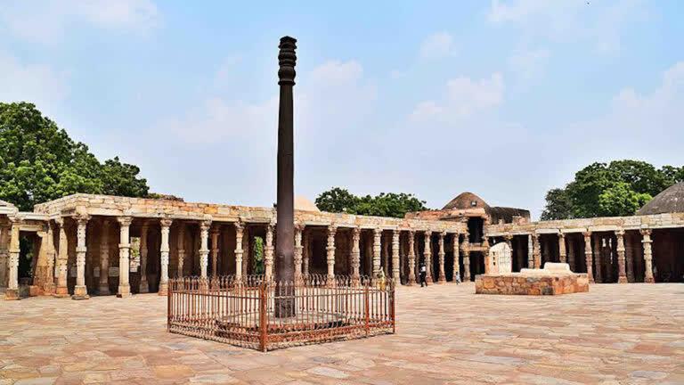 दिल्ली का  लोह स्तम्भ