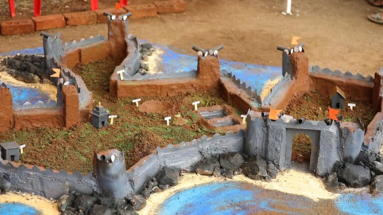 किले बनाने की एक अनोखी परंपरा