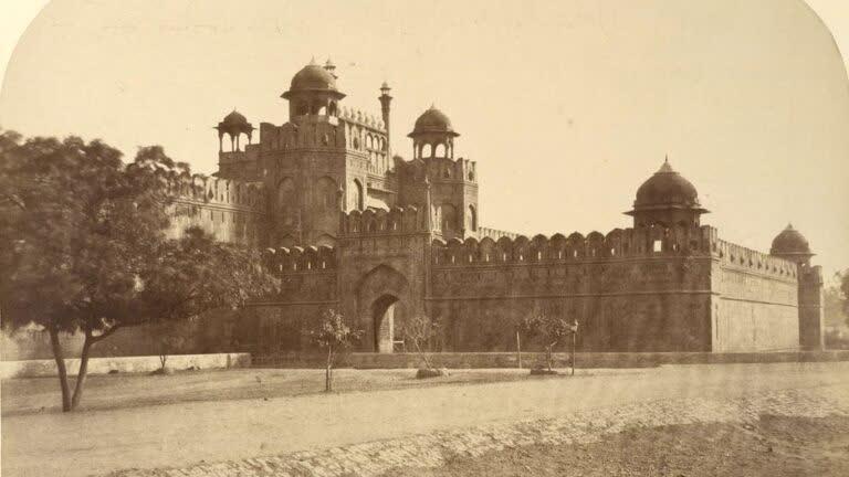 दिल्ली का लाल क़िला: इतिहास का एक मंच
