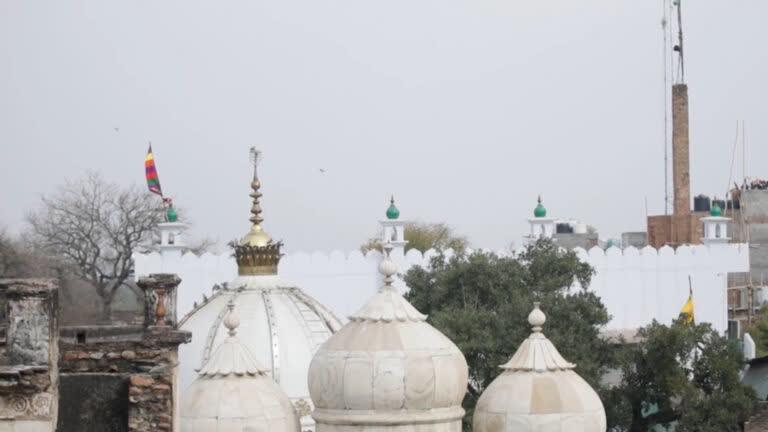 दिल्ली: सूफी संतों की दहलीज