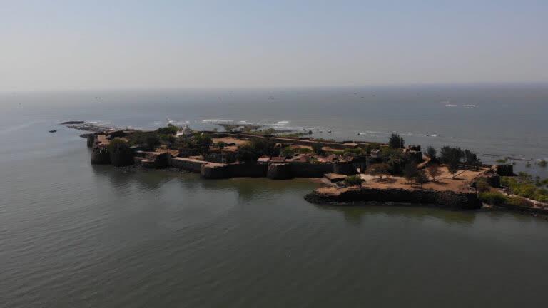 कोलाबा किला – मराठों का नौसैनिक अड्डा