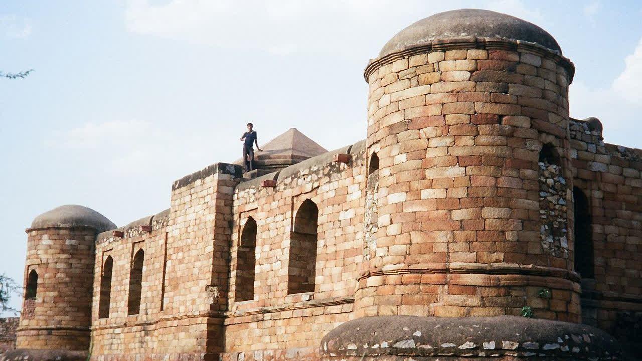 सुल्तान गढ़ी: भारत का पहला इस्लामी मक़बरा