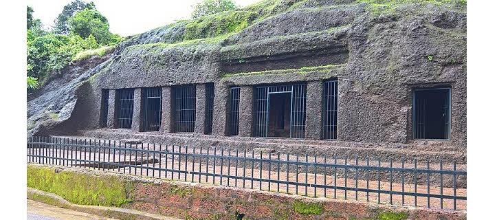 गोवा के अर्वलम की गुफाएं