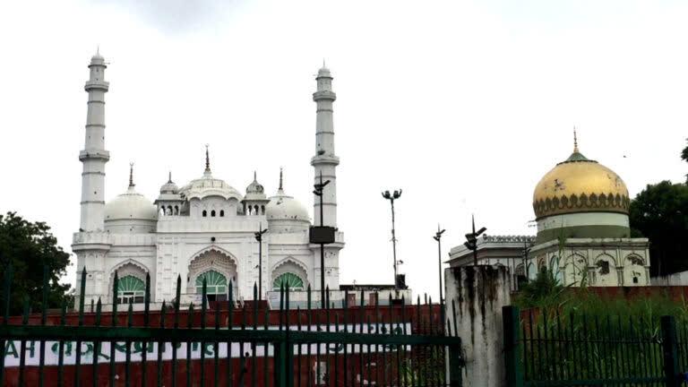 लखनऊ की टीले वाली मस्जिद