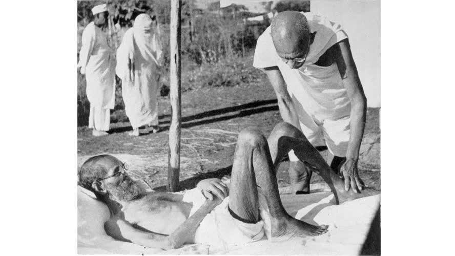 कुष्ठ रोग, गांधी और परचुरे शास्त्री