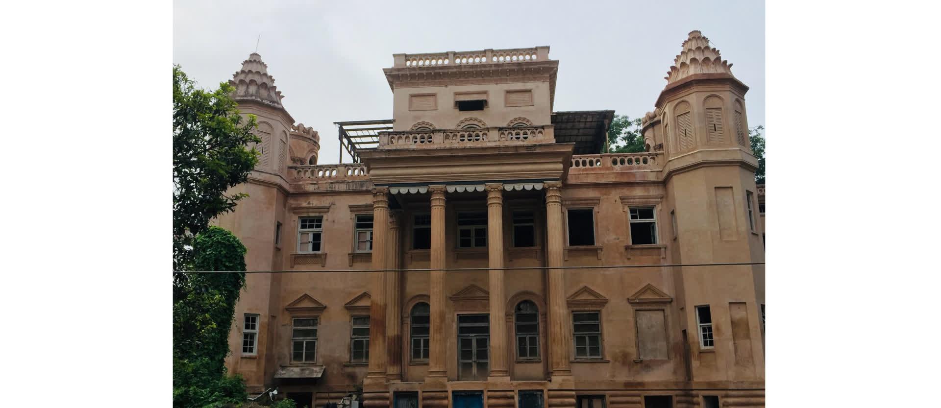 दर्शन विलास कोठी- अवधी और फ्रांसीसी वास्तुकला का शानदार नमूना