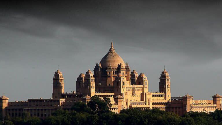 उम्मेद भवन- अंतिम भव्य महल