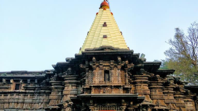 कोल्हापुर का महालक्ष्मी मंदिर: एक अद्भुत शक्तिपीठ