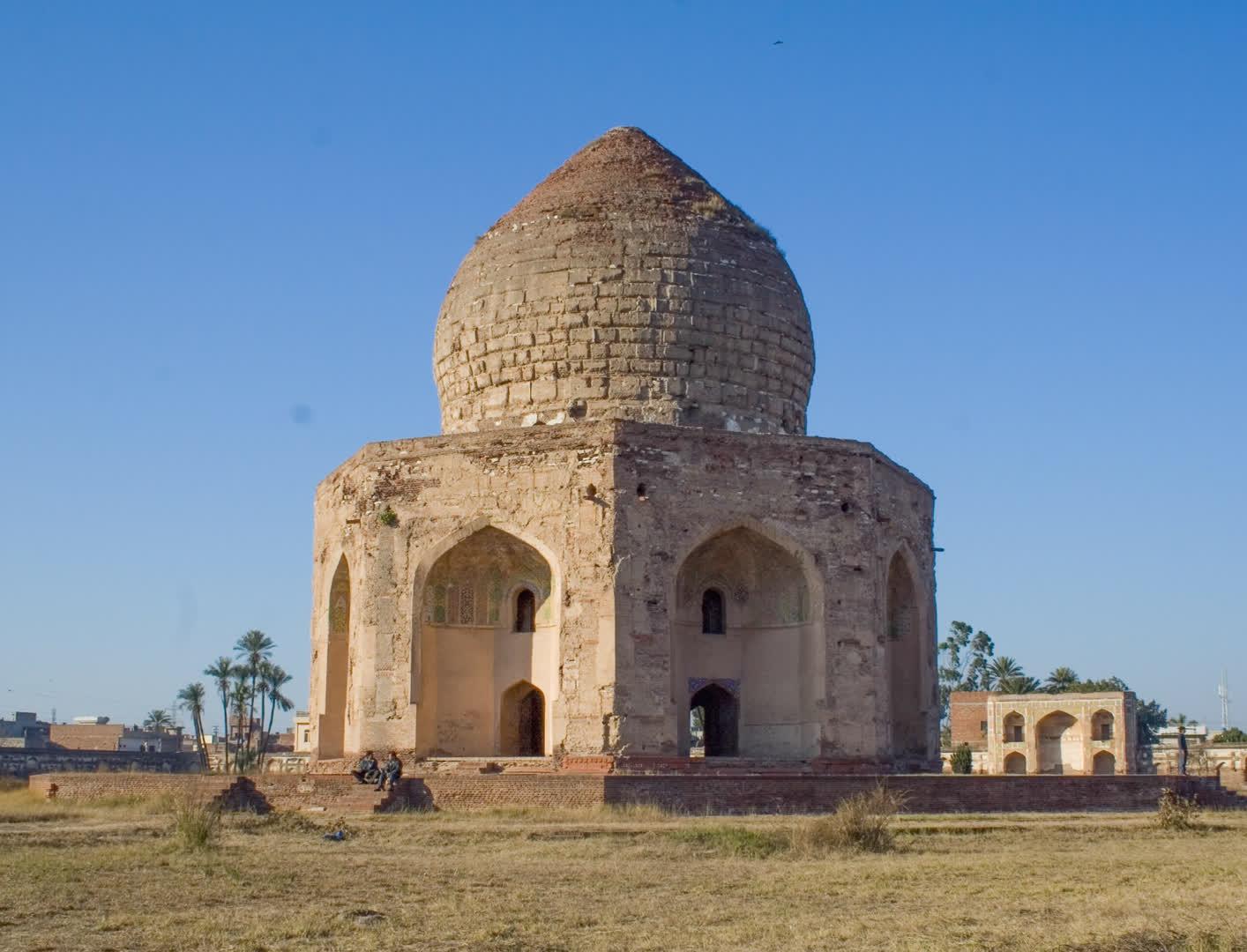 कहानी लाहौर के मुग़ल स्मारकों के संगमरमर की