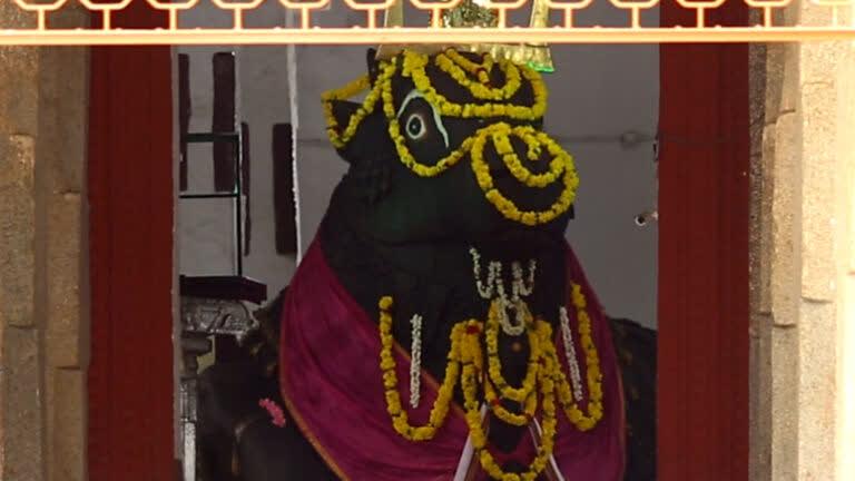बेंगलुरु की विशाल नंदी मूर्ति