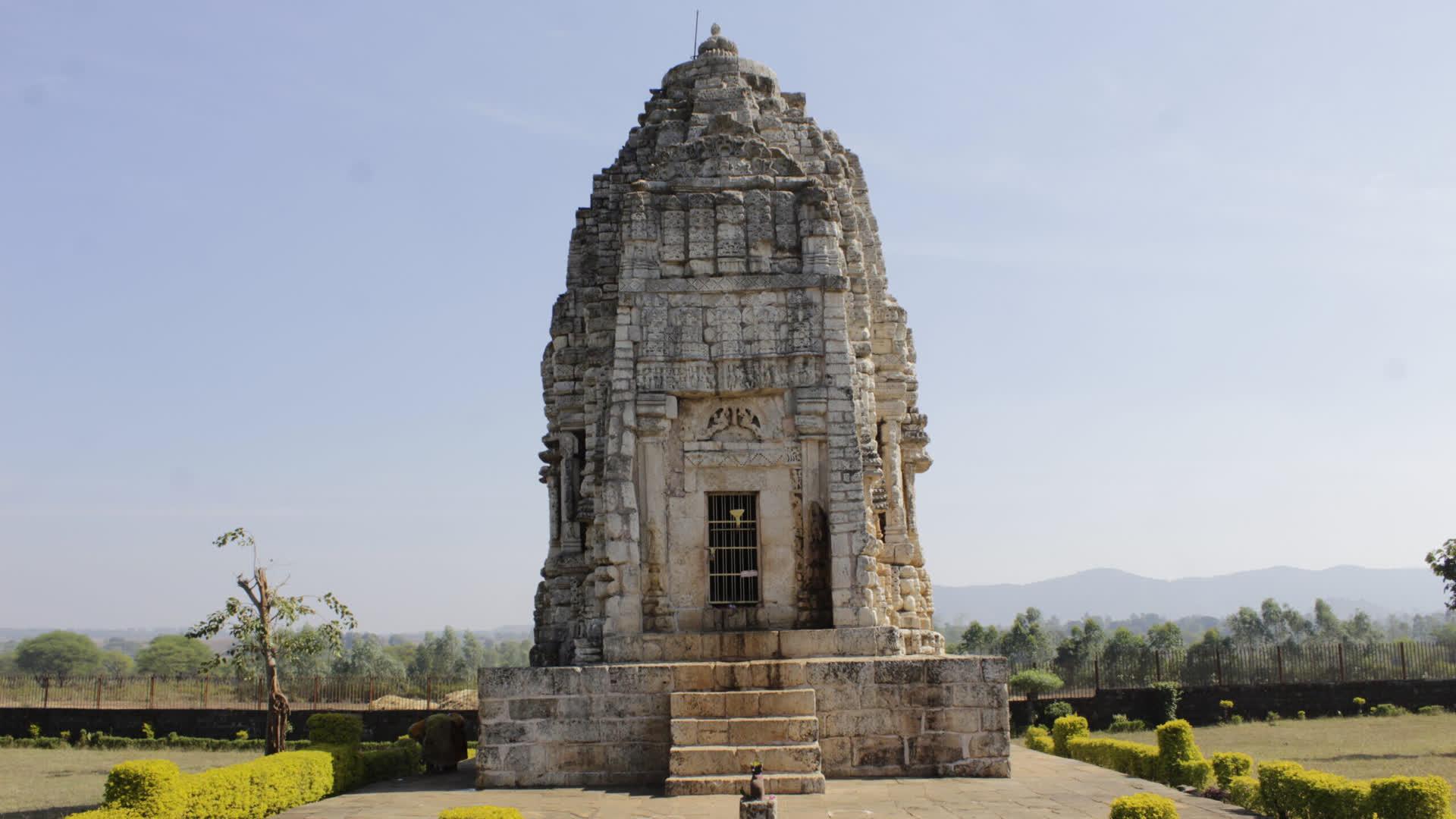कुकुर्रामठ: कुत्ते की याद में बना शिव मंदिर