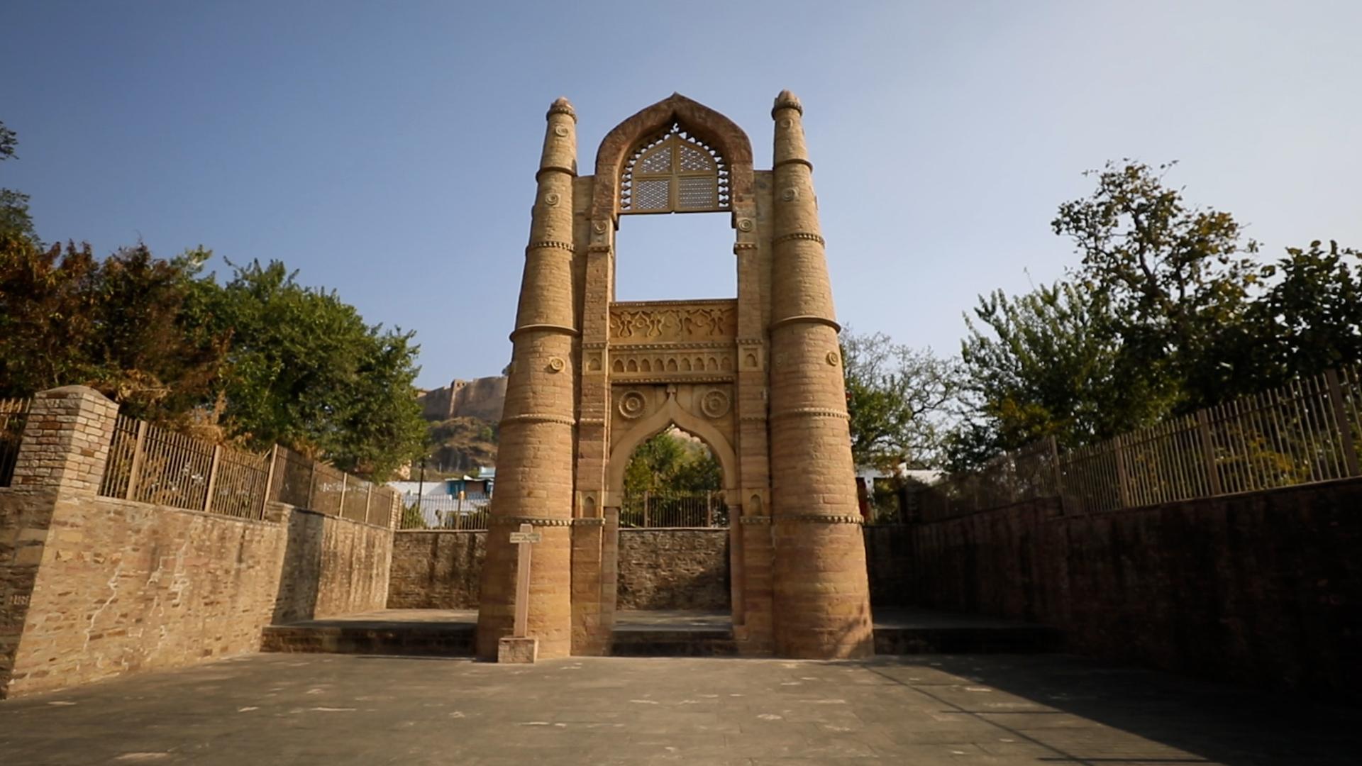 बादल महल दरवाज़ा: चंदेरी की शान का प्रतीक