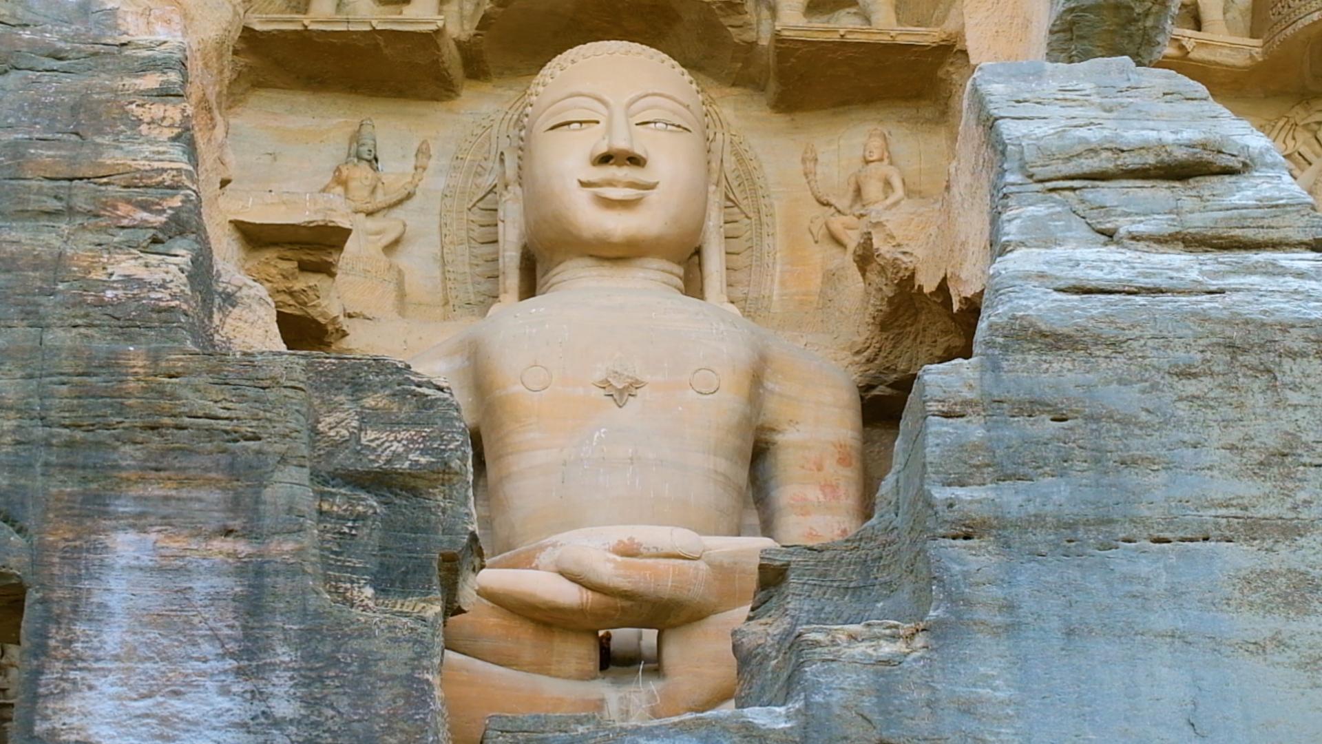 गोपाचल गुफाएं: मध्ययुगीन स्थापत्य कला का अजूबा
