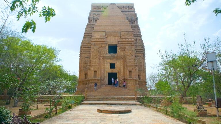 तेलिका मंदिर: वास्तुकला और रहस्यों का अद्भुत मिश्रण