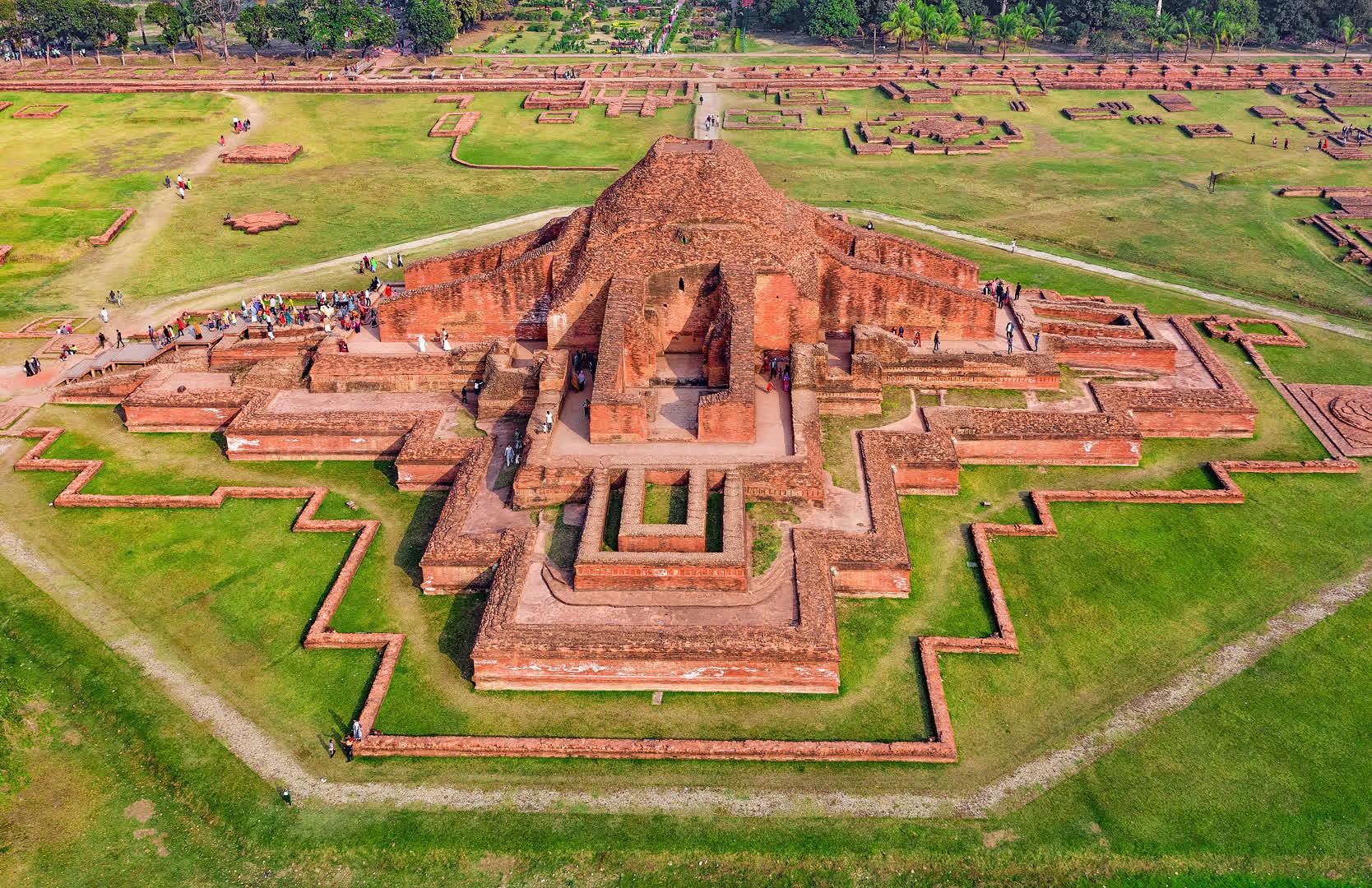 सोमपुर महाविहार: बांग्लादेश में प्राचीन भारत का सबसे बड़ा बौद्ध मठ