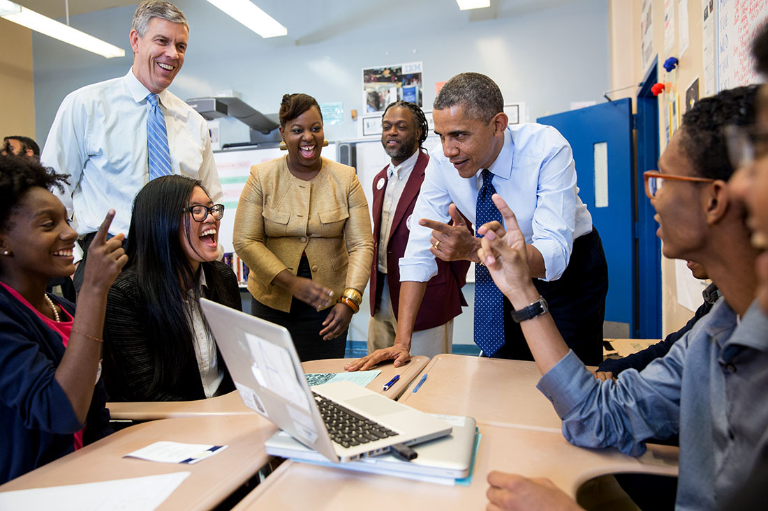 The Obama Foundation is hiring interns - apply now!