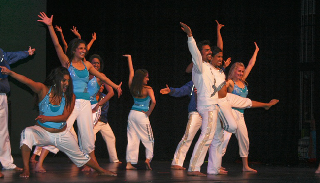 Bollywood Dance Contests a Rage Across Us Colleges