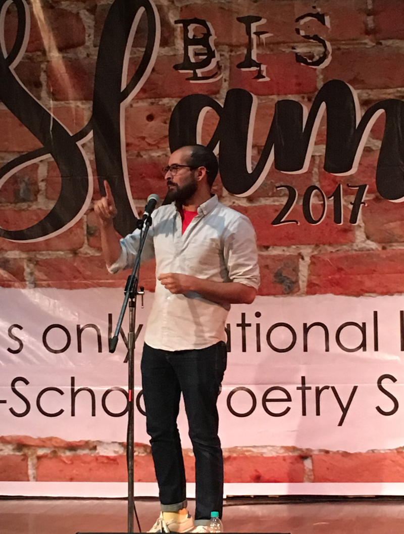 Anis Mojgani warms up the stage during  BIS Slam 2017 in Bangalore, India