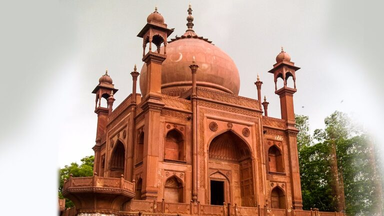 A Red Taj – From Her  to Him