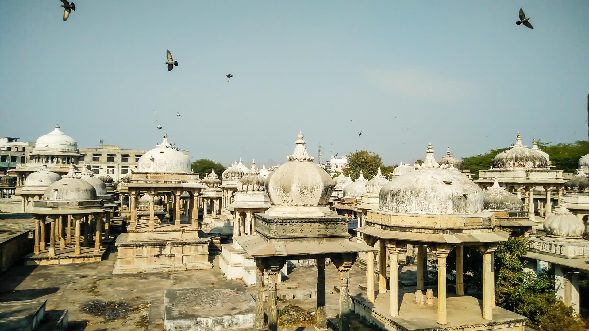 Into Dust: Ahar's Royal Memorials