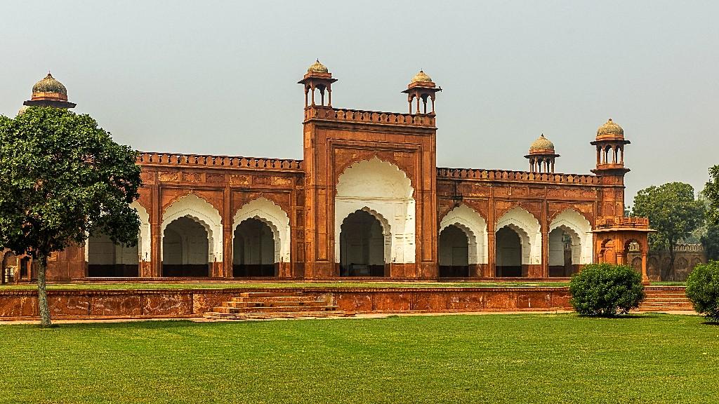 Agra: Beyond the Taj
