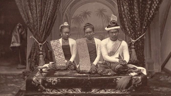 Ratnagiri and the Last King of Burma