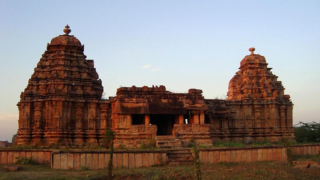 Jodu Kalasa: The Twin-Towered Temple