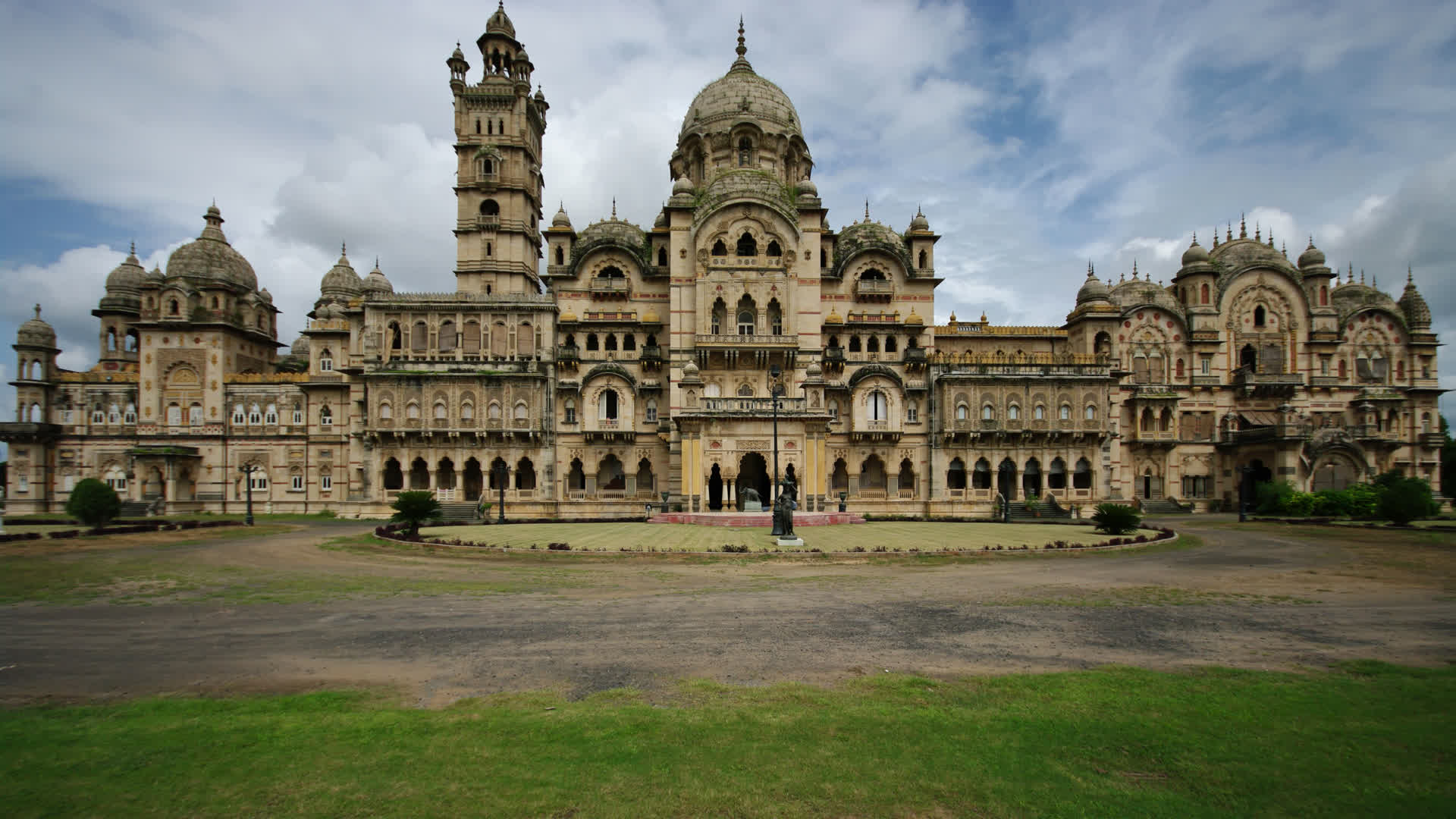 Grand Palaces of India – Markers of an Era