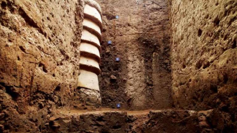 Lifting the Veil on Early Tamilakam (600-300 BCE)