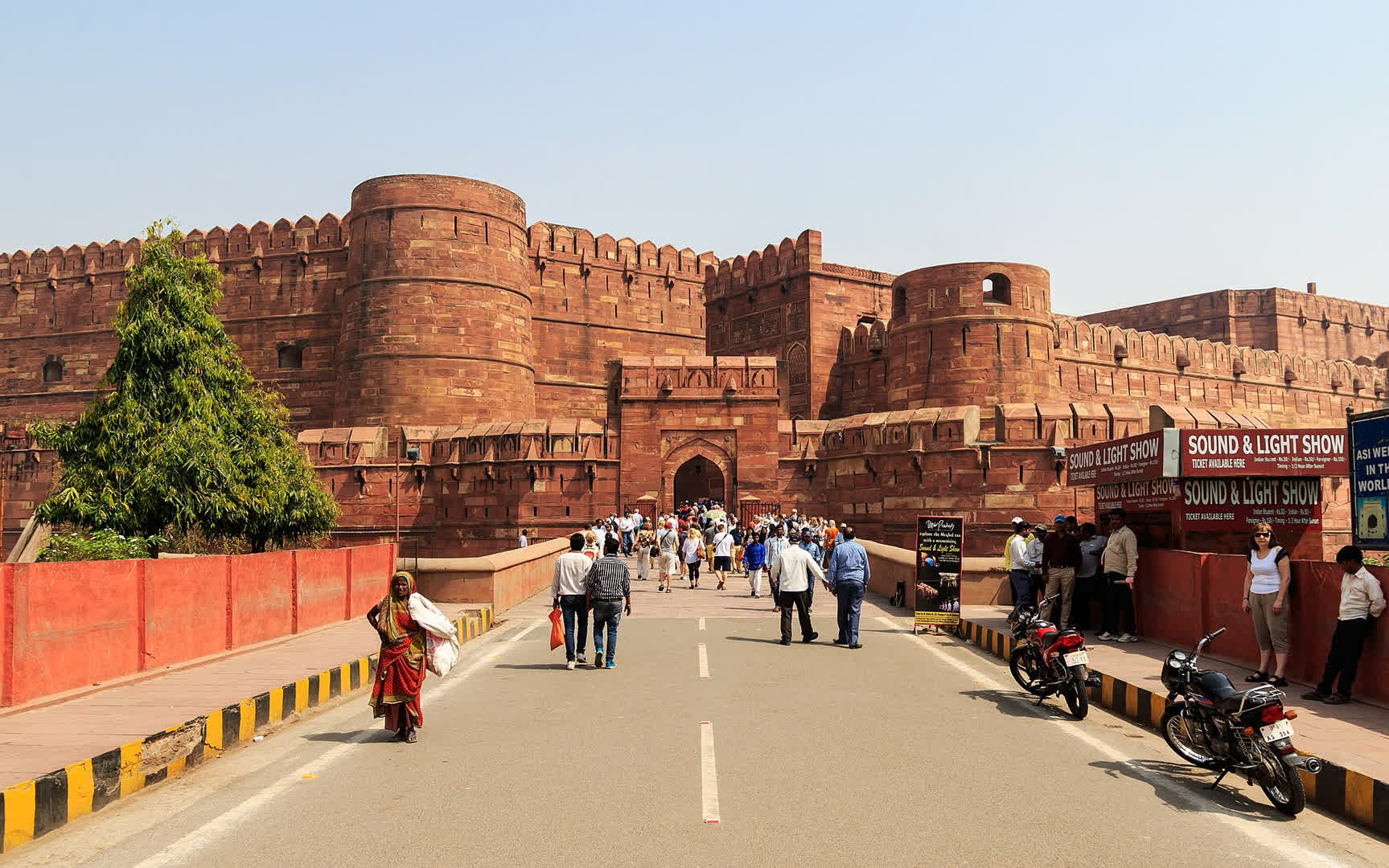 Agra: India's First Red Fort