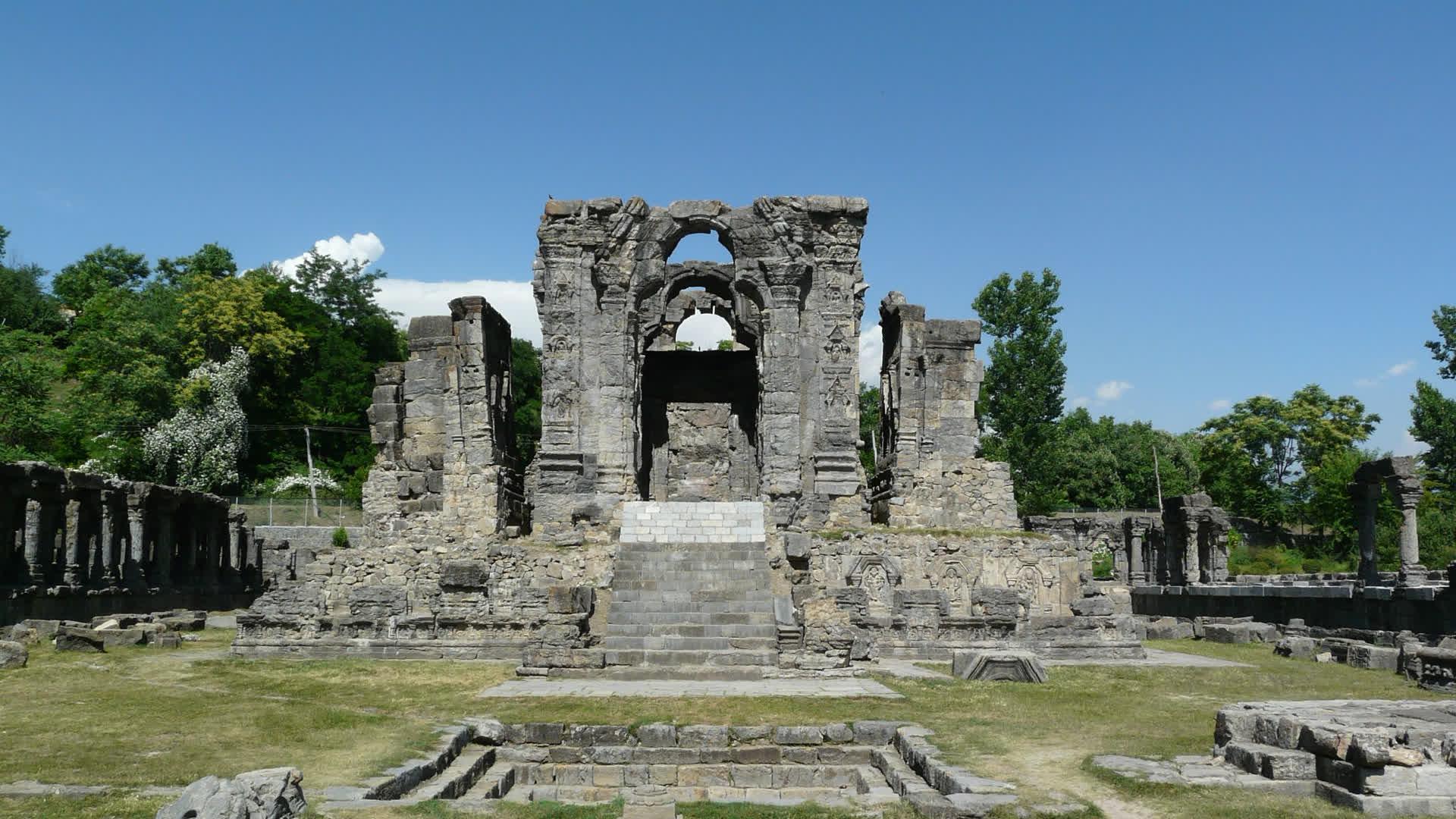Kashmir's Old Capitals