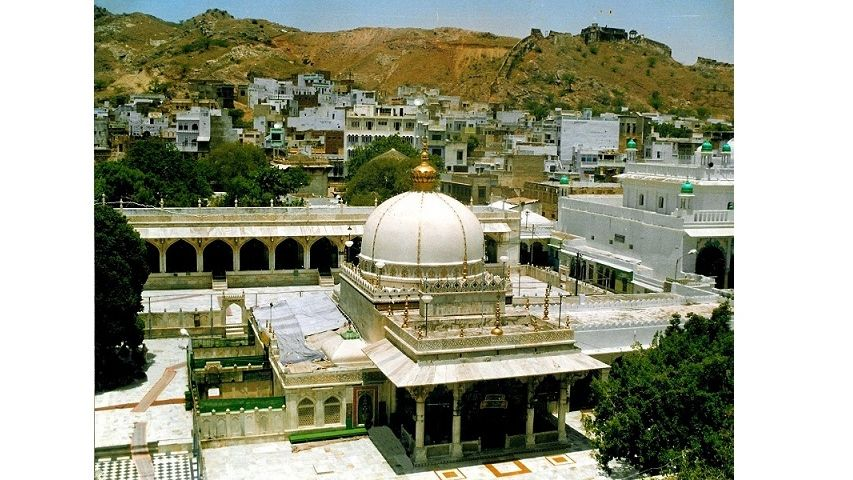 Dargah Ajmer Sharif: A Shrine For Kings and Commoners