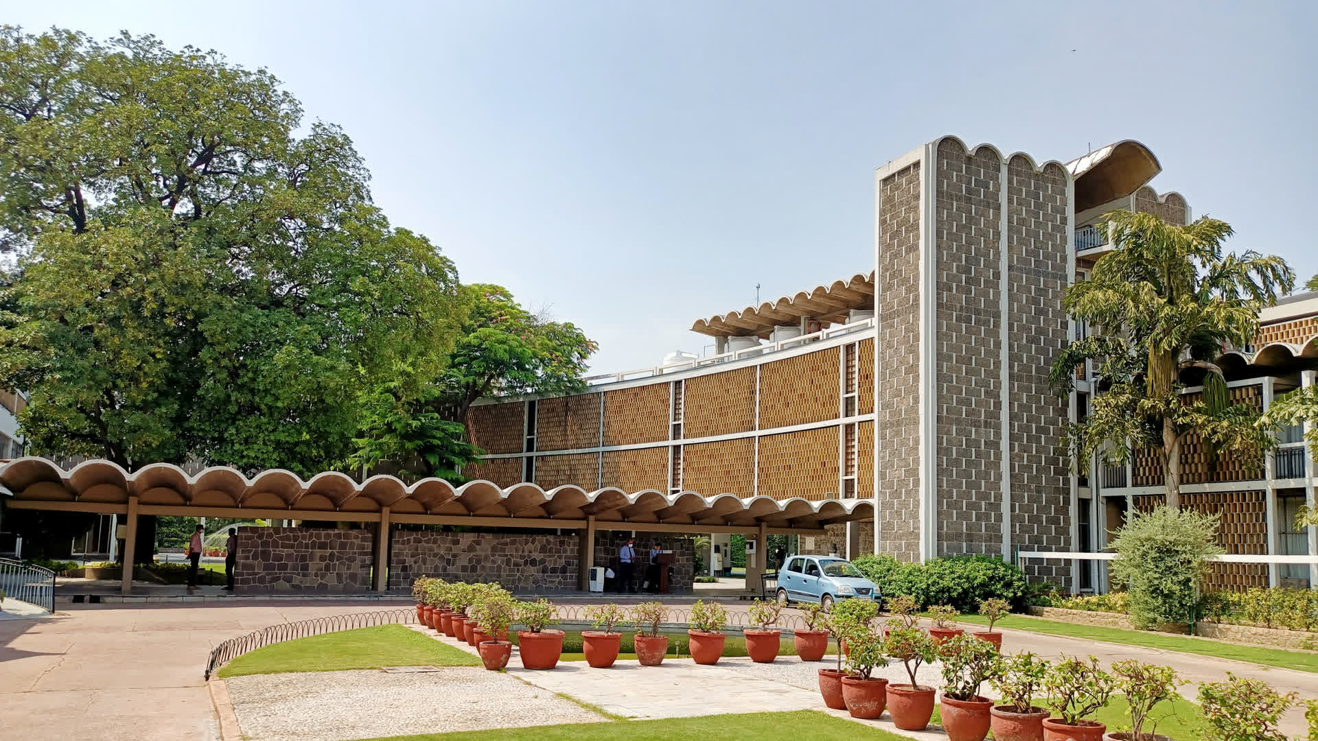 Lodhi Estate: Steinabad and the American Heart of Delhi