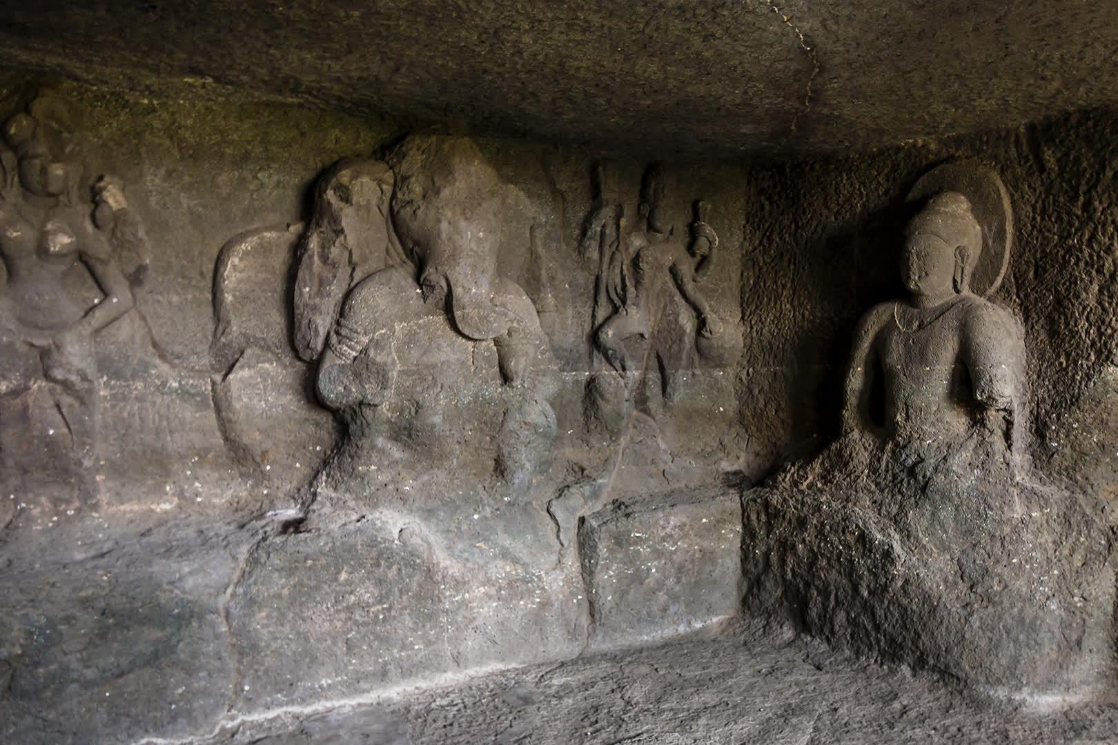 Sculptures of Ganesha and Buddha