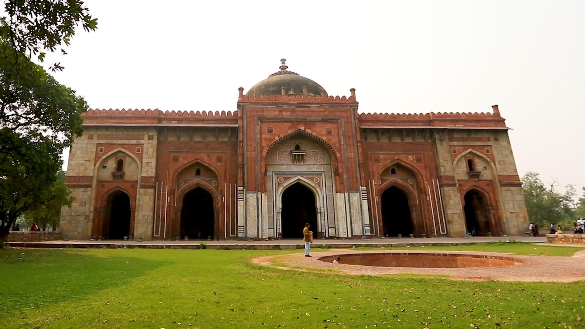 The Qila-i-Kuhna Masjid of Purana Qila