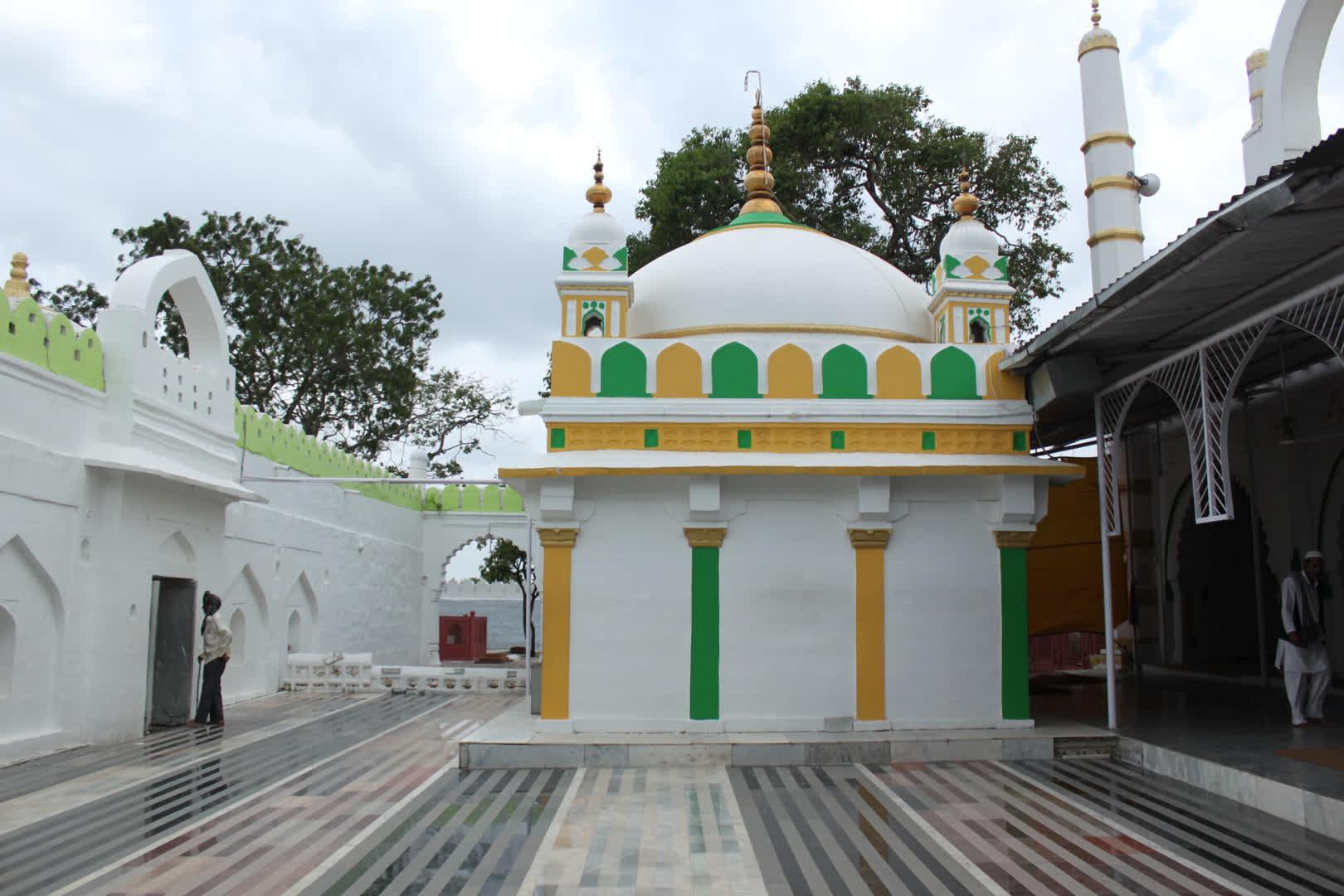 Tomb of Burhanuddin Gharib
