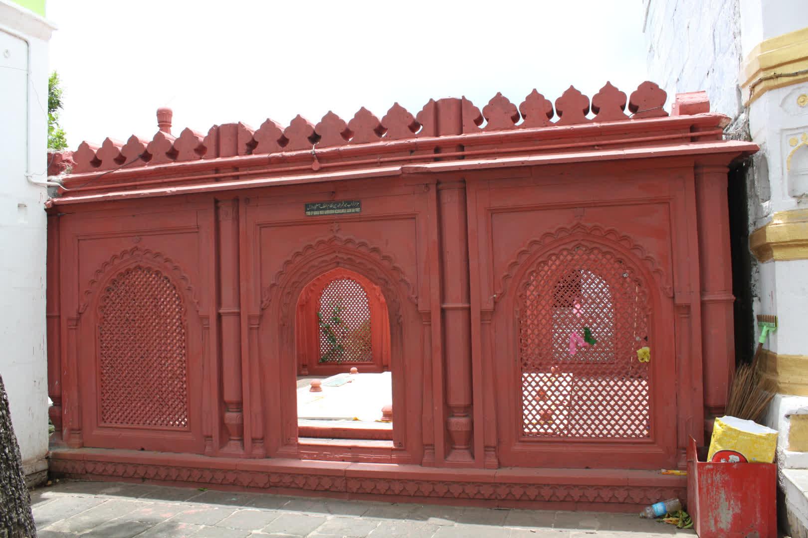 Entrance doorway of Asaf Jah I's grave