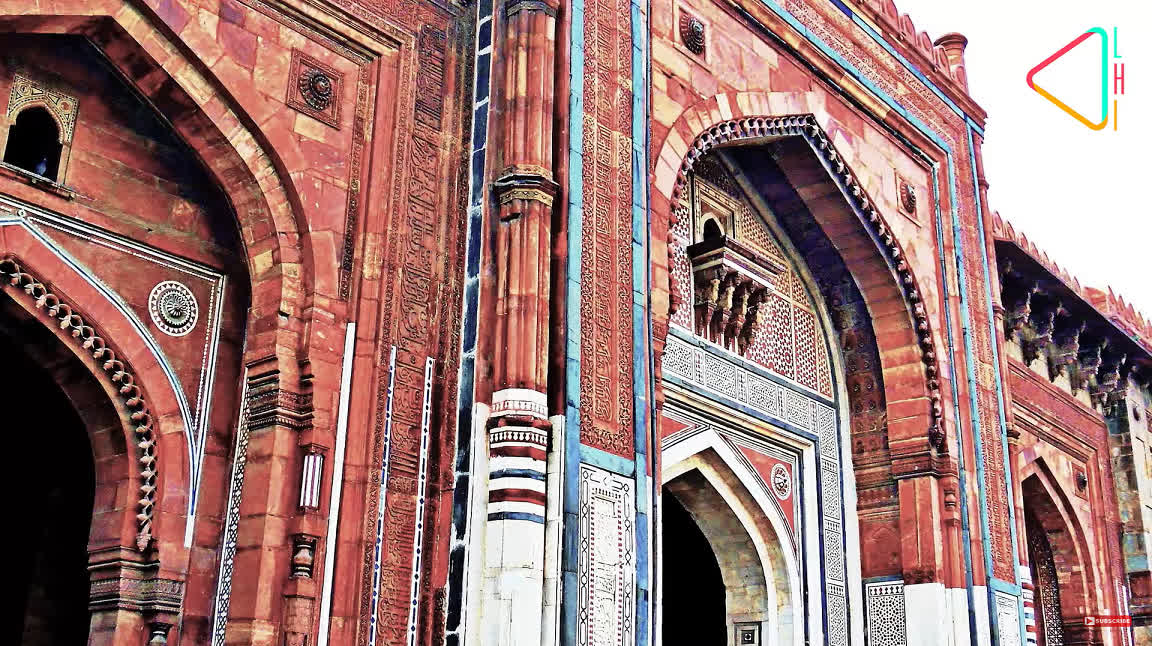 Qila-i-Kuhna mosque in the Purana Qila