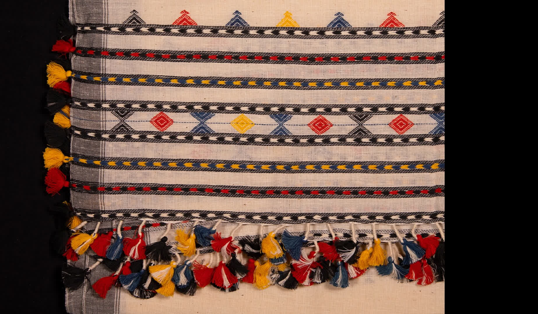 Bhujodi Weaving | Peepul Tree