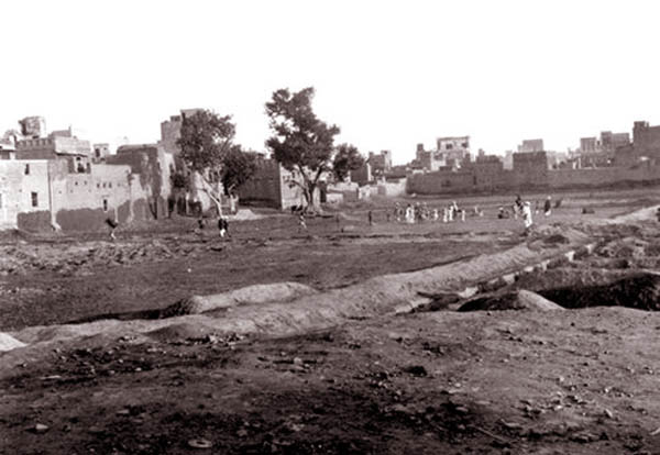 An old photo of Jallianwala Bagh