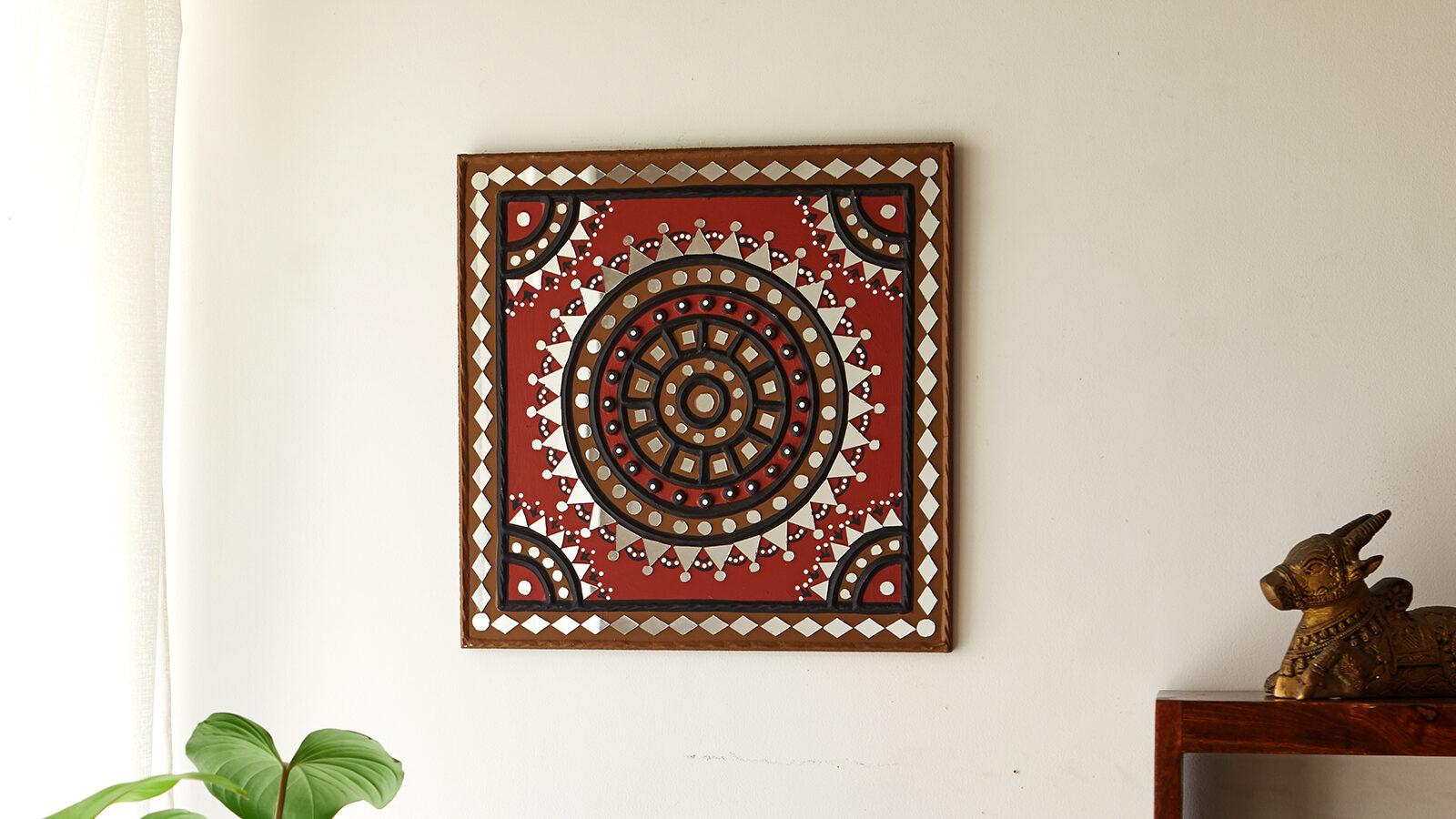 Lippan Kaam with dominant mirror work | Peepul Tree