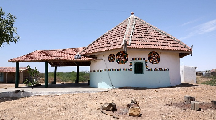 Decorated Bhungas in Kutch | LHI