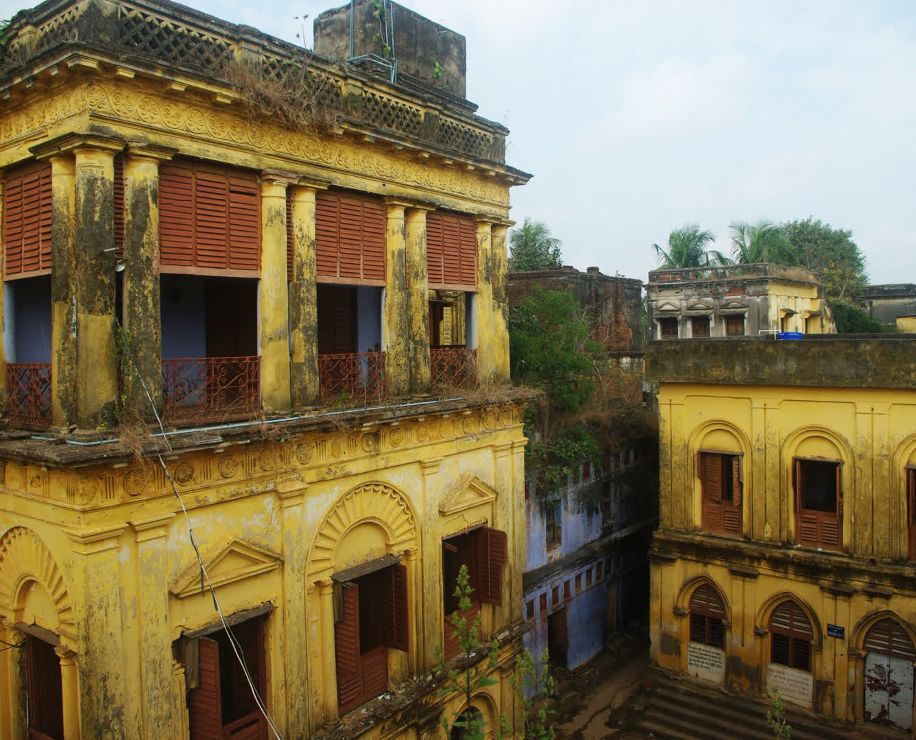Narajole Raj Palace interiors   Narajole Rajbari