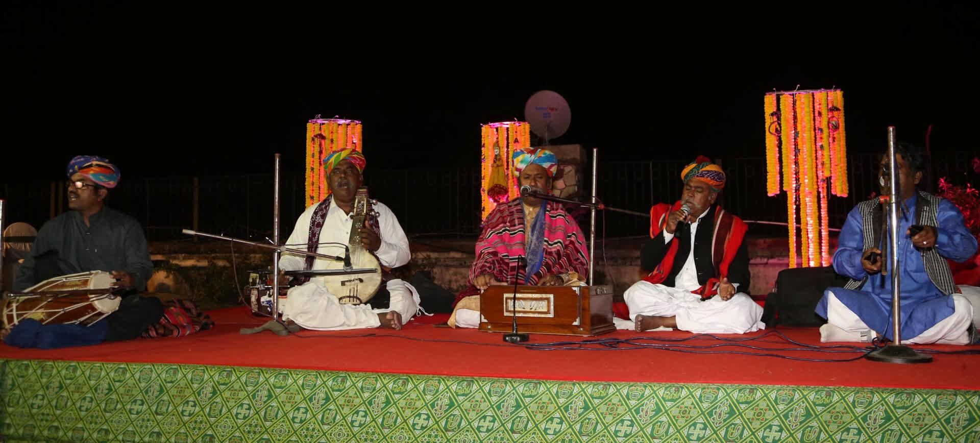 A private concert hosted by the author. L-R Firoz Khan on dholak, Ghewar Khan on kamaicha, Anwar Khan and Barkat Khan on vocals and Gazi Khan on Khartaal