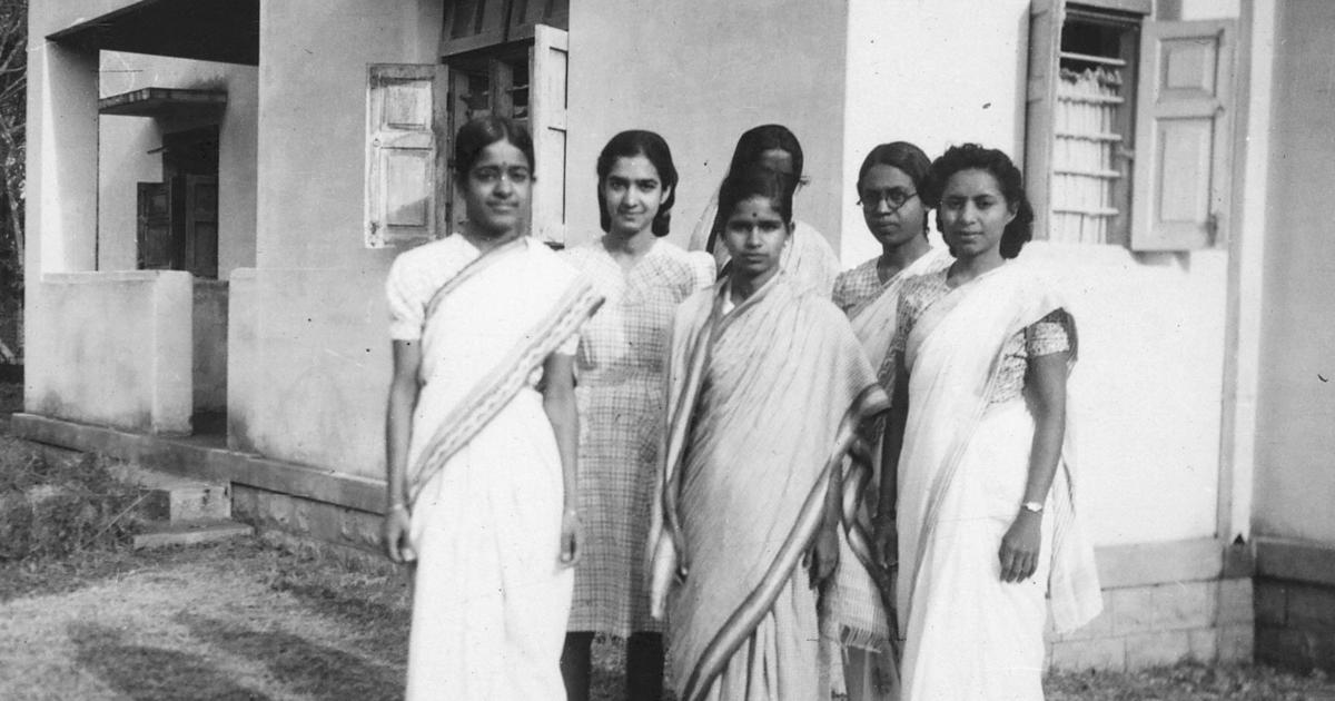 Students outside the first women's hostel at IISc, c. 1945