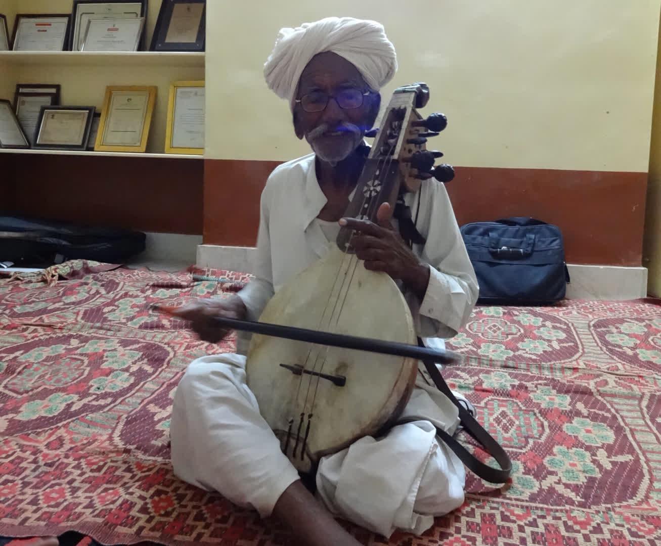 Late Sakar Khan, the senior most kamaicha player