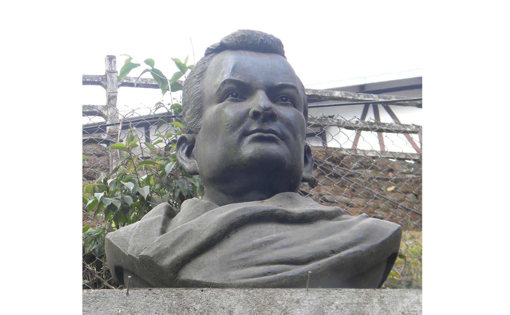 Rahul Sankrityayan's bust in Darjeeling